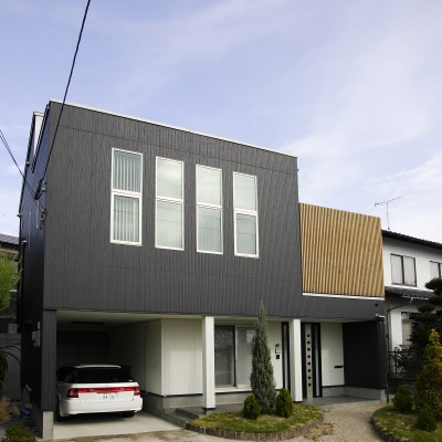 <a href='http://www.kpkp.co.jp/architecture/%e6%ae%b5%e5%b7%ae%e3%82%92%e6%b4%bb%e3%81%8b%e3%81%97%e3%81%9f%e5%ae%b6/' >段差を活かした家</a>
