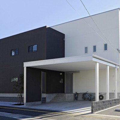 <a href='http://www.kpkp.co.jp/architecture/%e3%83%97%e3%83%a9%e3%82%a4%e3%83%99%e3%83%bc%e3%83%88%e3%82%ac%e3%83%bc%e3%83%87%e3%83%b3%e3%81%ae%e3%81%82%e3%82%8b%e5%ae%b6/' >プライベートガーデンのある家</a>