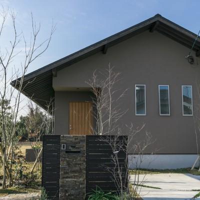 <a href='http://www.kpkp.co.jp/architecture/%e3%82%80%e3%81%8b%e3%81%97%e3%82%92%e6%83%b3%e3%81%b5%e5%ae%b6/' >むかしを想ふ家</a>