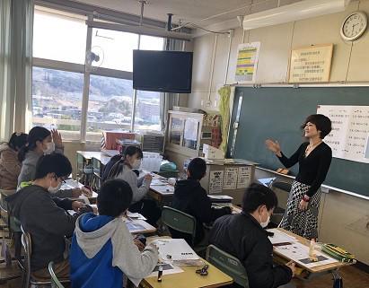 太宰府西小学校で建築のお話を